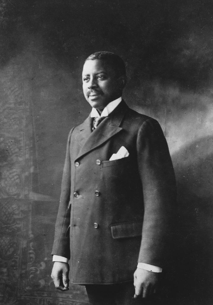 A black and white photograph of Robert Turner taken circa 1900